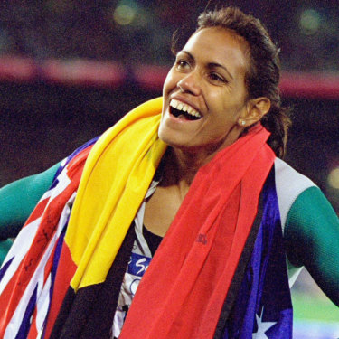 Cathy Freeman encouraged Elaine to pursue her modelling career and represent the Aboriginal community in fashion.
