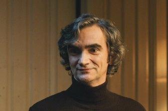 Martin Mysicka berperan sebagai akademisi pembangkang Viktor Skala di The Sleepers.