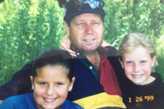 Alyssa (at right) with her father, Greg Healy, and late sister Kareen. Alyssa was 12 when Kareen died at age 15, following an anaphylactic reaction that caused her to go into cardiac arrest.
