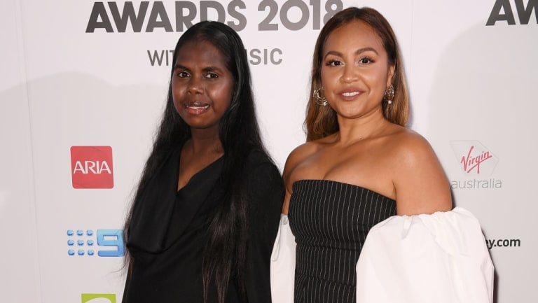 Jasmine Yunupingu and Jessica Mauboy performed together at the ARIA Awards.