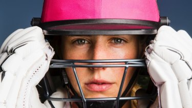 Heading south: Ellyse Perry will join Victoria's WNCL side next summer.