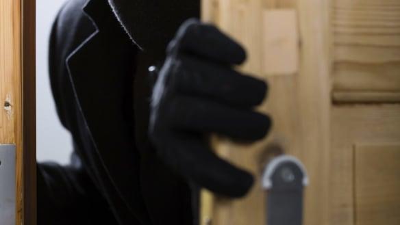 Manhunt after a string of Ballarat aggravated burglaries