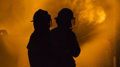 Firefighters tasked to Scenic Rim fire in wake of extreme fire dangers