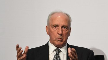 Paul Keating has criticised the government for putting pressure on the ABC to sell its city real estate.