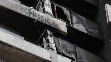 The cladding on a  building in Spencer street Melbourne caught fire in the early hours of Monday morning.