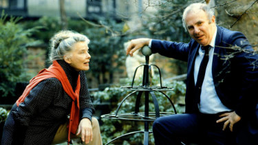 Clive James with Katherine Hepburn in Manhattan, 1983.