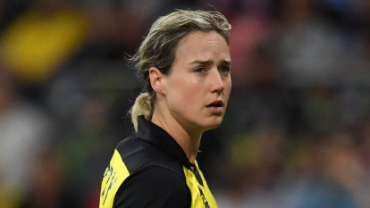 Ellyse Perry has Australia's best batting average. So why is she coming in at No.7?