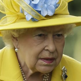 Queen Elizabeth's longtime doctor dies while riding bike to work