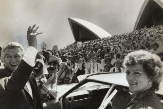 Bob Hawke with his first wife Hazel Hawke leave the Opera House in 1983.