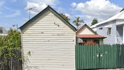 Demolition proposal for New Farm cottage heads to court