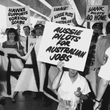 Pilot strike supporters on February 19, 1990.