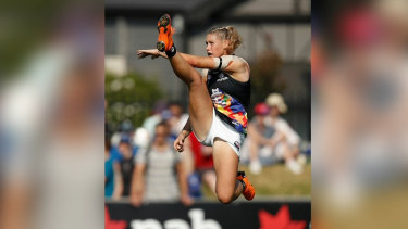 Is canning social media the solution to ending abuse like that directed at AFLW star Tayla Harris?