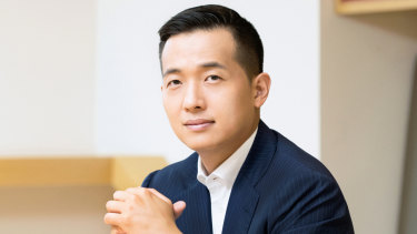 After graduating from Harvard, Kim Dong Kwan drove a push by the company a decade ago to pour money into solar energy.