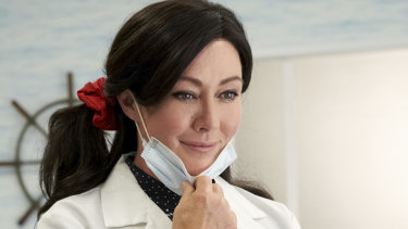 Shannon Doherty stars in the new Heathers on Stan.