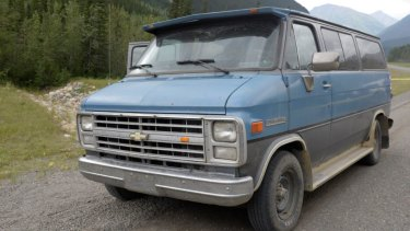 The blue 1986 Chevrolet van bearing Alberta licence plates that was located at the scene where Lucas Fowler and Chynna Deese's bodies were discovered.