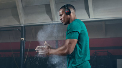 Under Armour's new headphones might be a bit cool but they're a lot tight