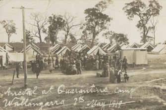 People arriving at a quarantine camp in May 1919.