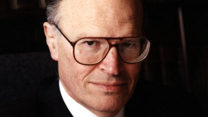 High Court inquiry finds former justice Dyson Heydon sexually harassed associates