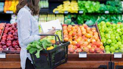 How to minimise risk of catching COVID-19 at the supermarket