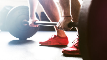 How to perform the perfect deadlift for beginners