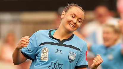 Foord seals Arsenal move as W-League prepares to expand to 10 teams