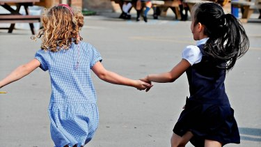 Kids around the state enjoy their last day of school holidays as schools starts up again on Monday.