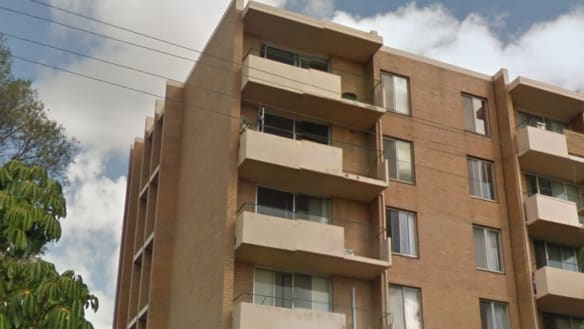 New strata law lets Perth's ugliest apartment blocks in for facelifts
