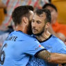 Siem de Jong stunner seals Sydney FC win over Brisbane Roar