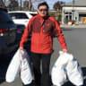 YangHengjun's Weibo post on December 18, 2017 showing him with shopping bags.