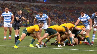 Australia using the caterpillar ruck against Argentina.
