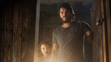 Emile Hirsch and Lexy Kolker are a father and daughter in hiding in Freaks.