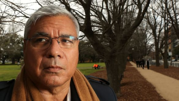 Mundine aims for political trifecta with Liberals