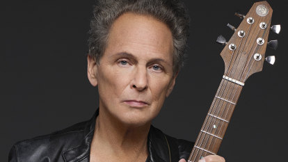 Fleetwood Mac's former guitarist goes his own way, but treads old ground