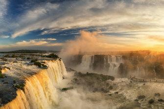 Las Cataratas del Iguazú en tiempos más plenos.