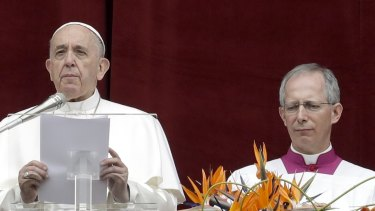 """Close to the Christians of Sri Lanka: Pope Francis delivers his """"Urbi et Orbi"""" (""""to the city and the world"""") message in St Peter's Square at the Vatican."""