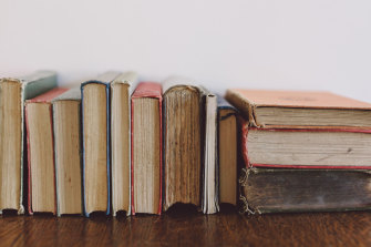 The books are our friends, and concentrating them, far from making them accessible,  we shut them from our lives.