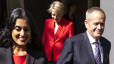 Labor's Candidate for Deakin, Shireen Morris, with deputy leader Tanya Plibersek and Bill Shorten in Mitcham.