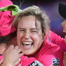 Perry inspires Sydney Sixers to big win in WBBL season opener