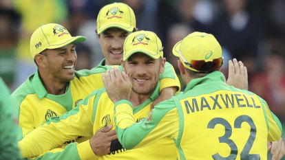 Finch urges bowlers to hold nerve under fire as Langer bites back