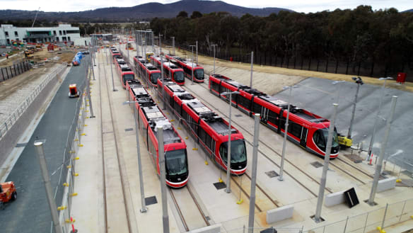 ACT govt to press on with light rail plans despite warnings