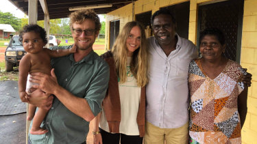 Simon Baker and girlfriend Laura delighted locals on their visit to the Yirrkala community.
