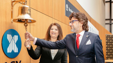 Victory Offices CEO Dan Baxter rings the bell on the company's ASX listing.