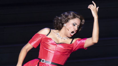 Triumphant performance by Stacey Alleaume as La Traviata graces the Harbour