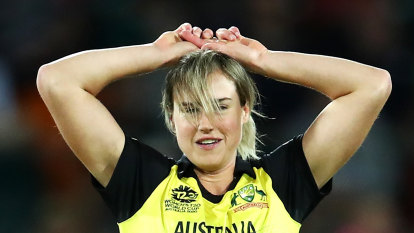 Hamstrung Ellyse Perry to miss New Zealand series