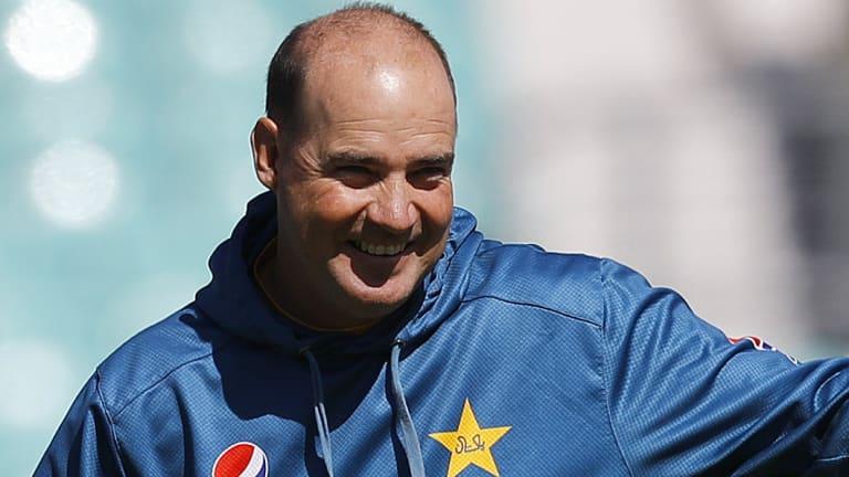 Pakistan coach Mickey Arthur has lost fielding coach Steve Rixon for the upcoming Test series against Australia.