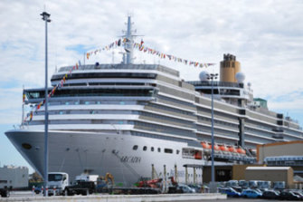 The massive cruise ship P&O Arcadia docks at Fremantle.