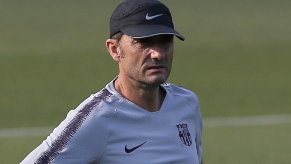 Barcelona boss not prioritising Champions League