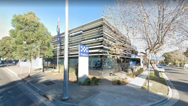 Ringwood police station has temporarily closed after a police officer tested positive for coronavirus.