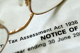 Up to 80 per cent of Australians would get a tax cut under a proposal to move to a $3000 standard deduction for the annual tax return.