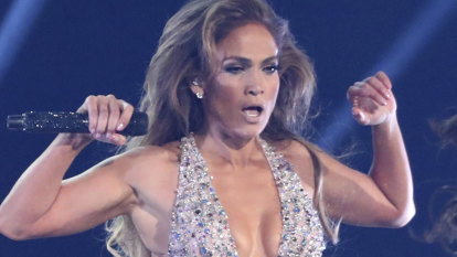 Jennifer Lopez forced to defend Grammys performance